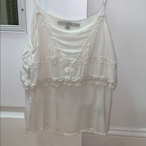 Guess white flows top (size medium)